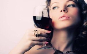 to drink alcohol during menses
